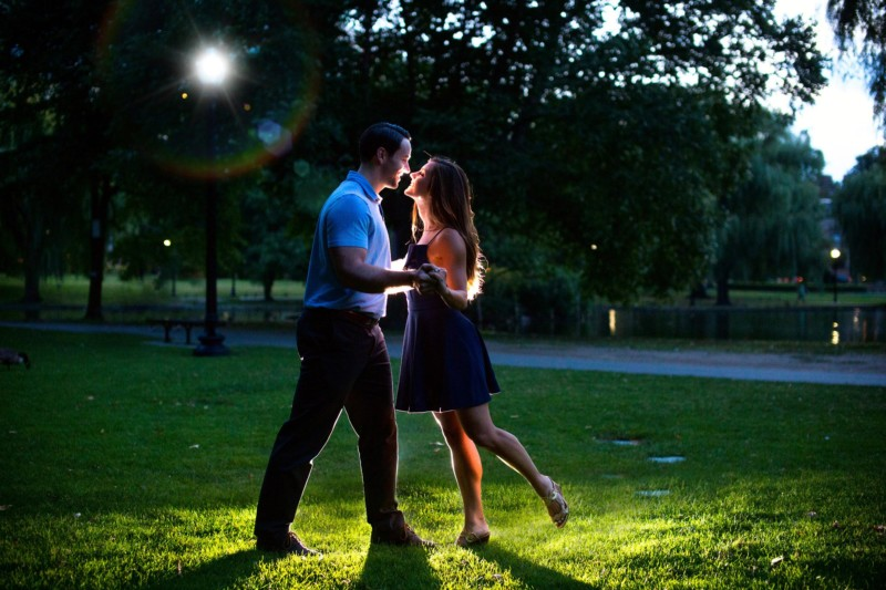 Boston engagement pictures at public garden