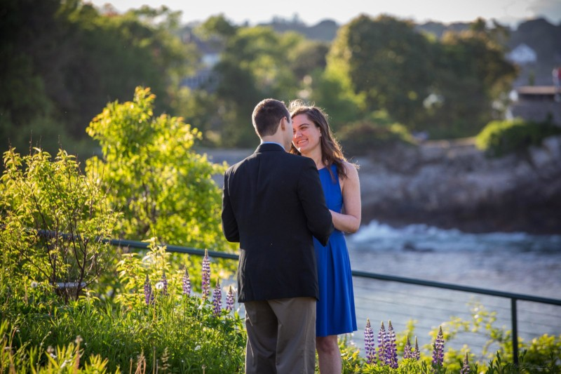 Maine engagement pictures at Fort Williams park