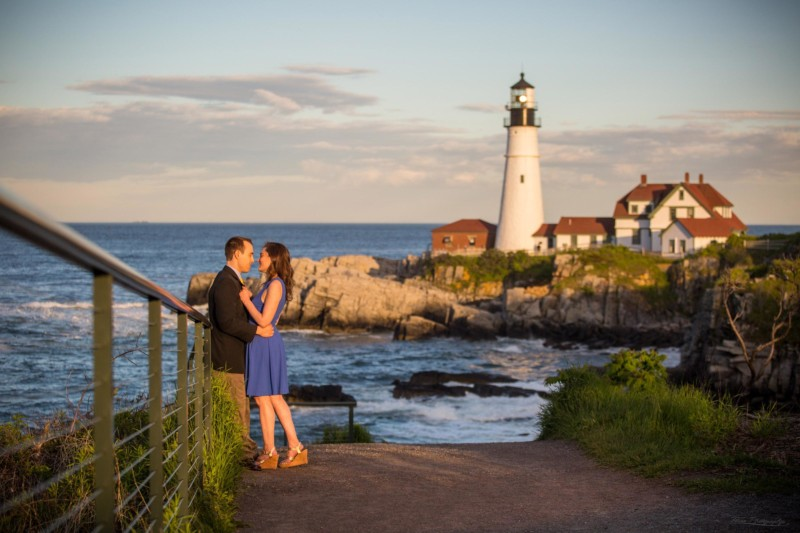 Maine engagement pictures at portland head light