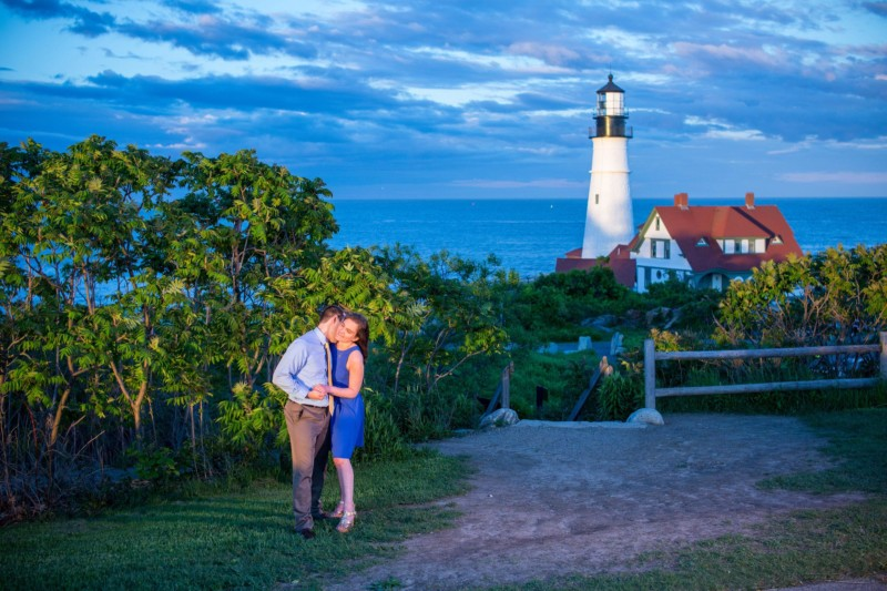 Maine engagement pictures in front of portland head light