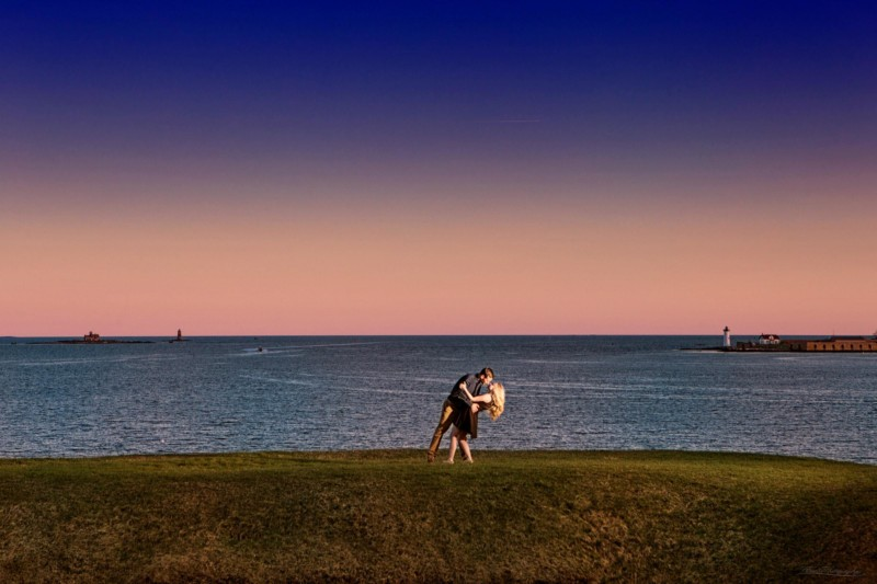 kittery engagement pictures at Fort McClary