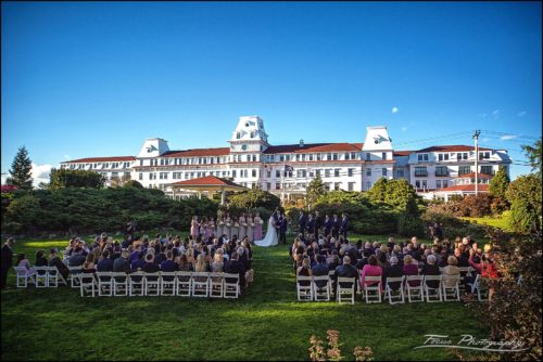Sam & Steve's Wentworth Wedding - ceremony on back lawn