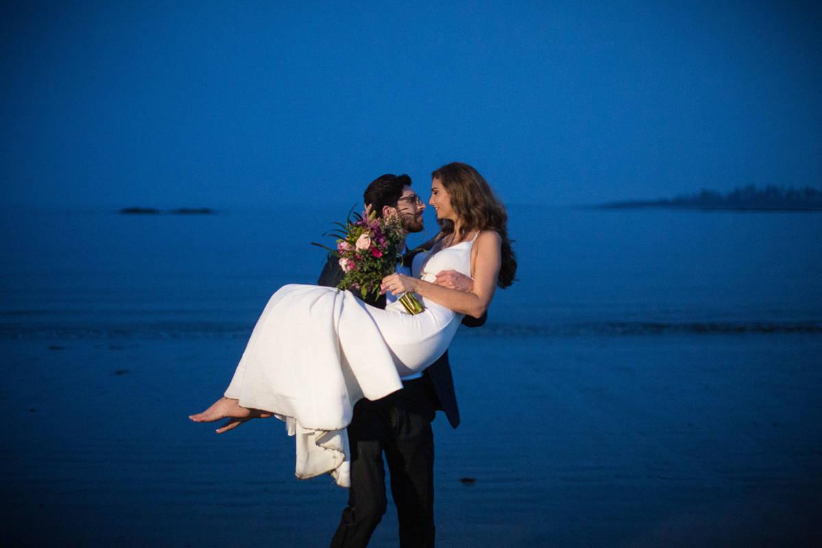 Kellie + Josh at the Inn by the Sea