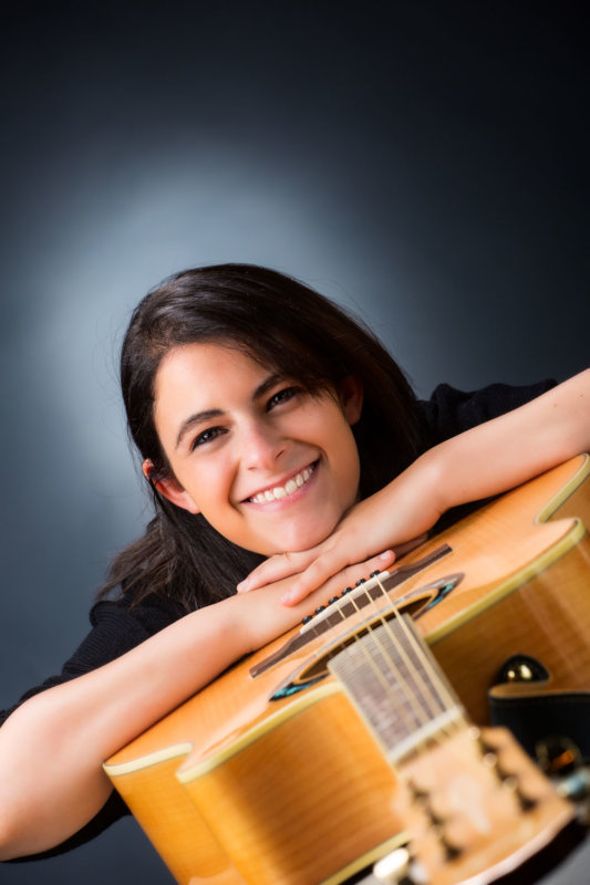girl with guitar for senior photo