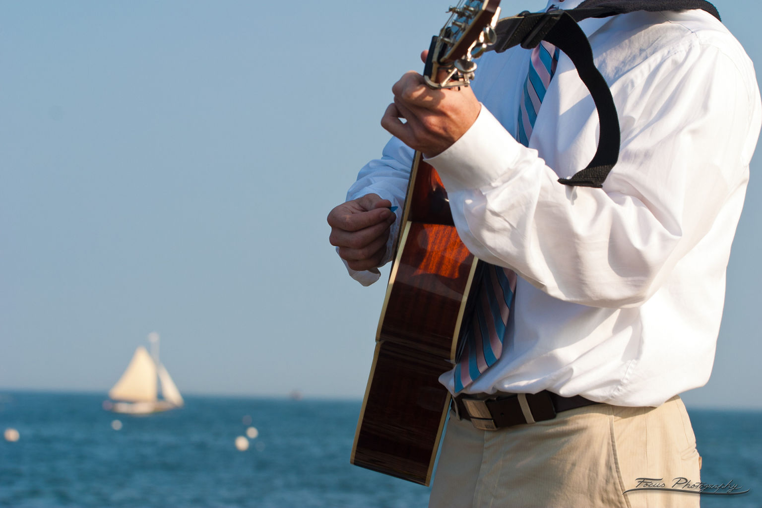 Guitar player at Willard Beach Maine wedding