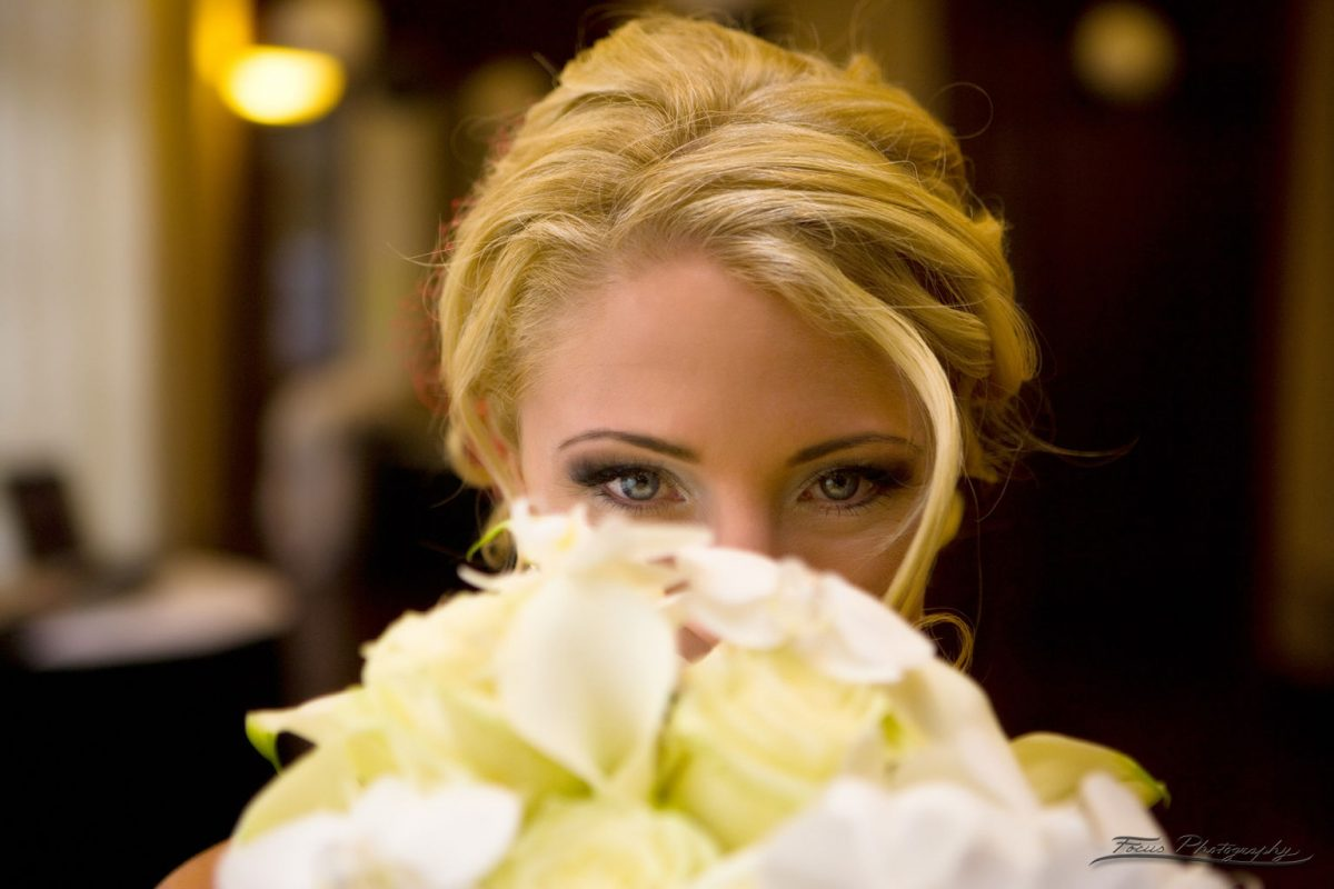 bride and flowers at Sheraton Portsmouth Harborside Hotel wedding