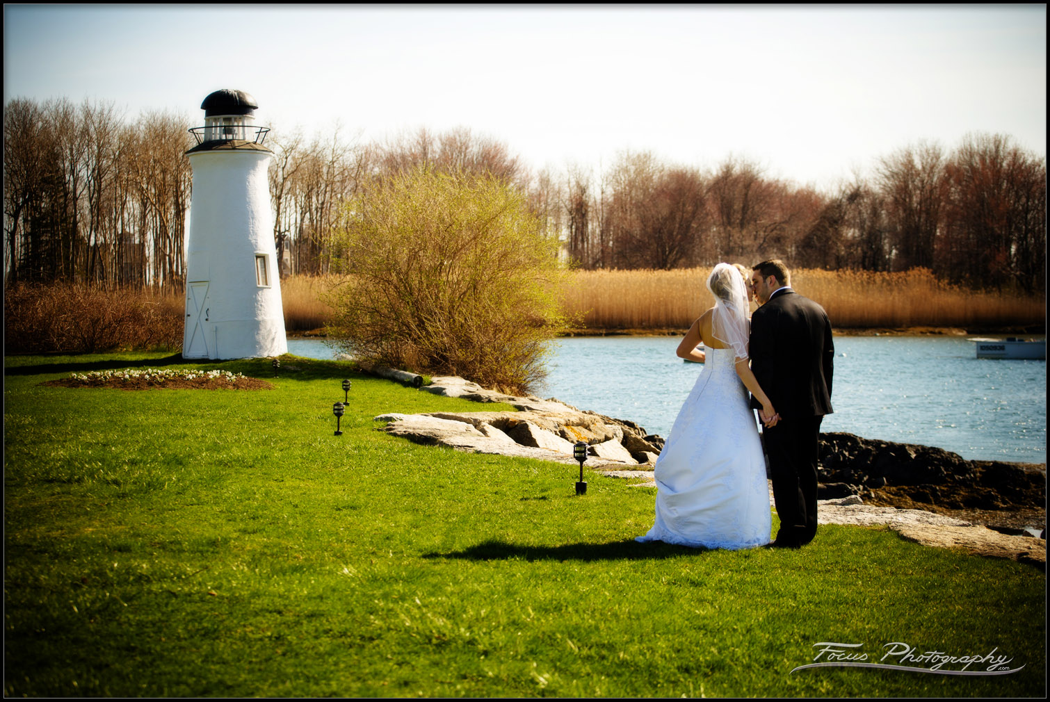 maine wedding photography of bride and groom at Nonantum