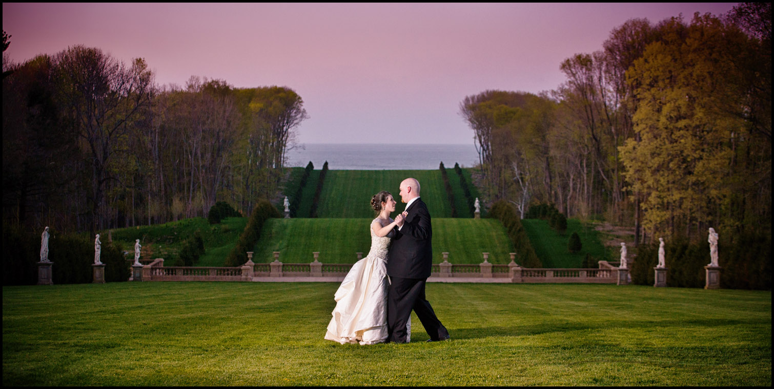 wedding pictures at crane estate grand allee