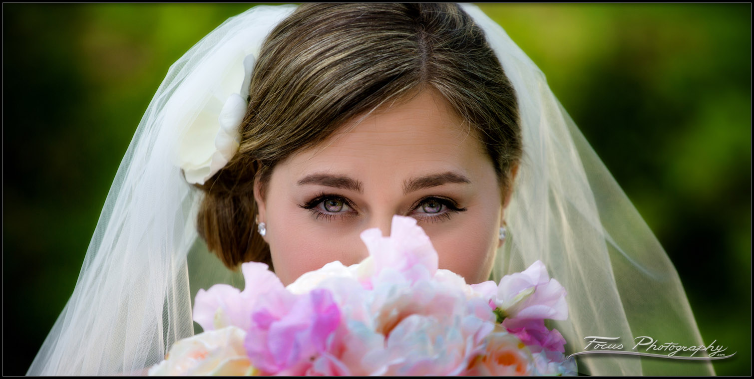 Close up of beautiful brides eyes