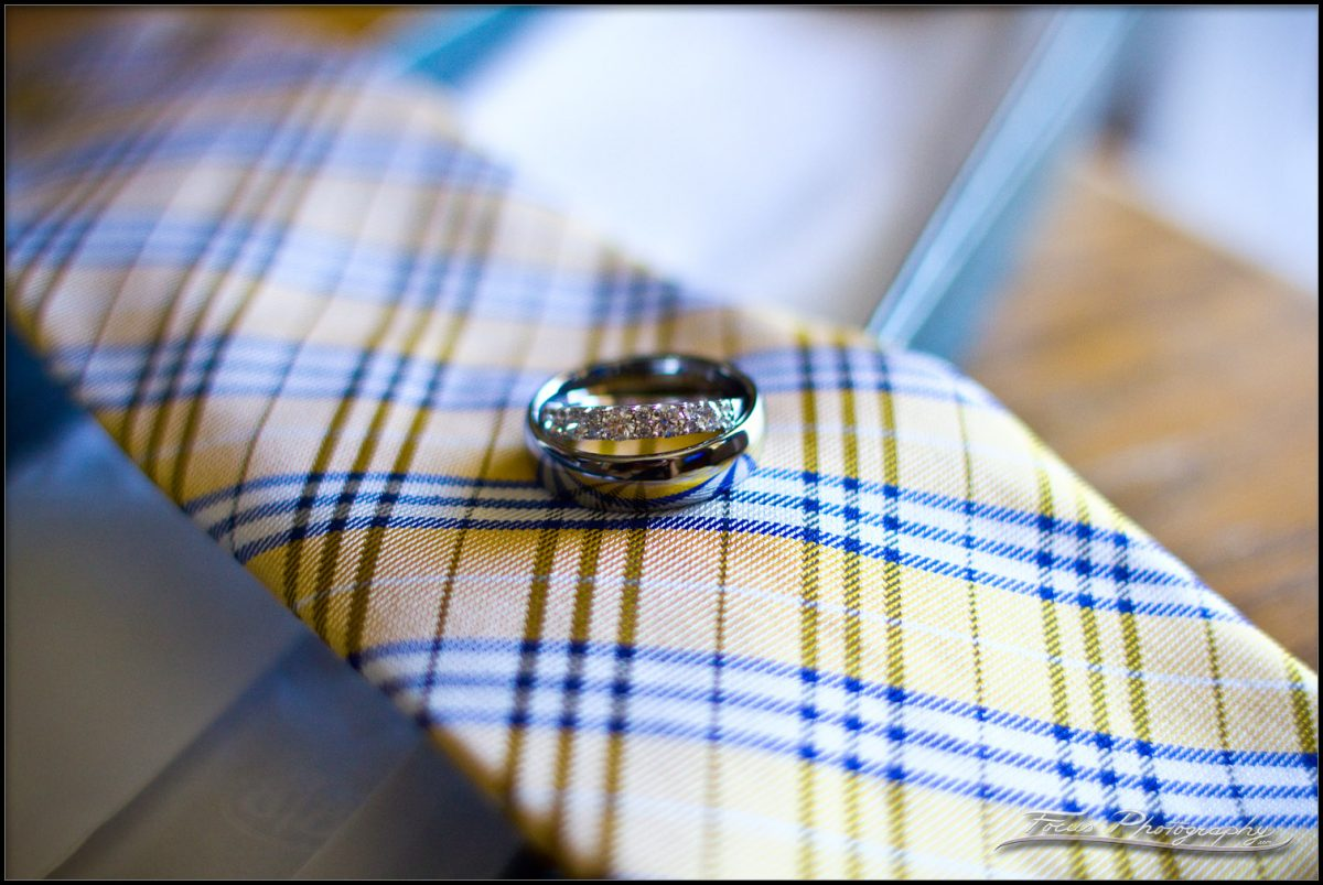 Tie and rings