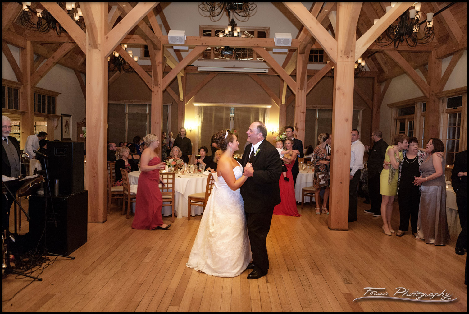 father daughter dance at Red Barn at outlook Farm