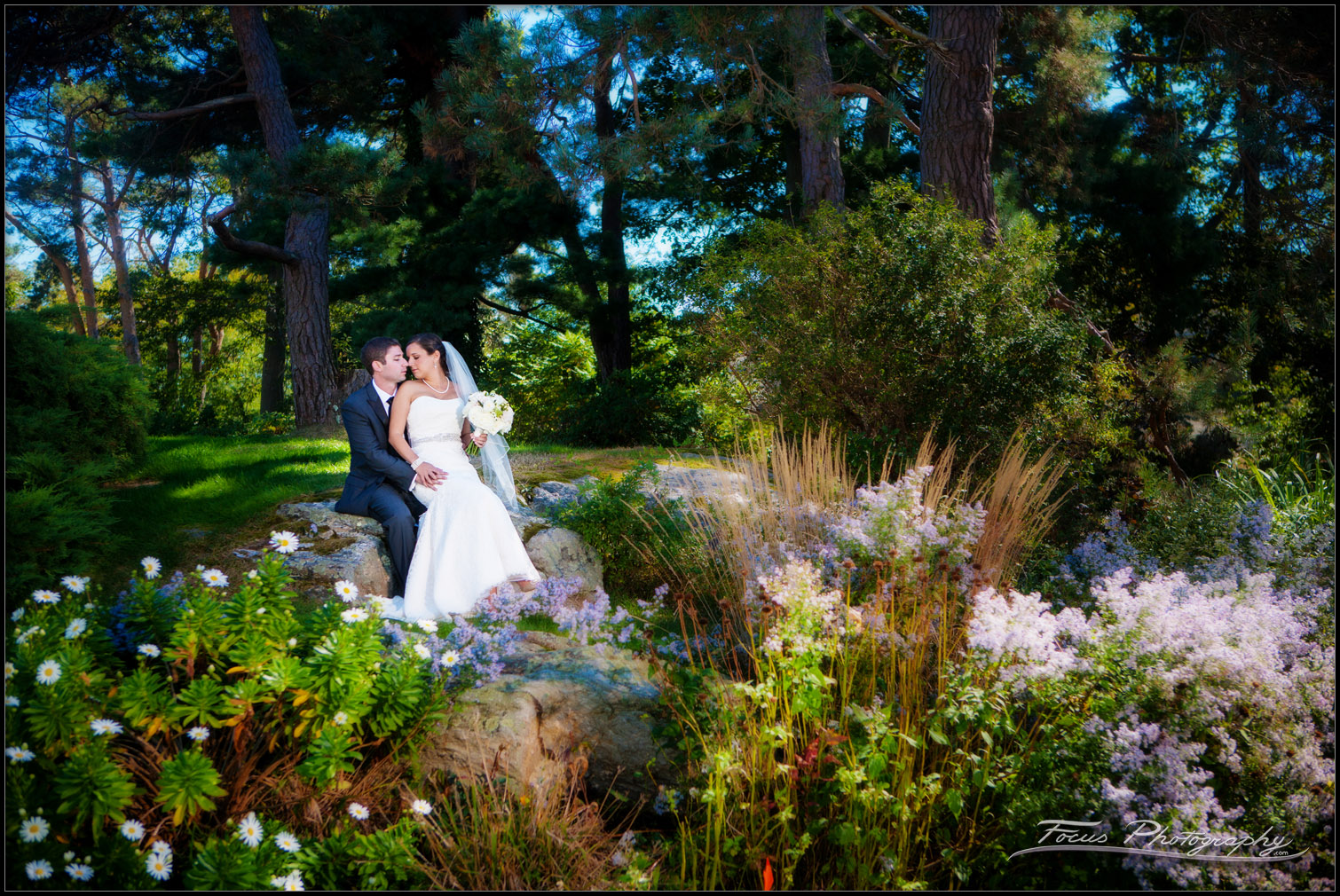 bride and groom in garden at new castle wentworth wedding
