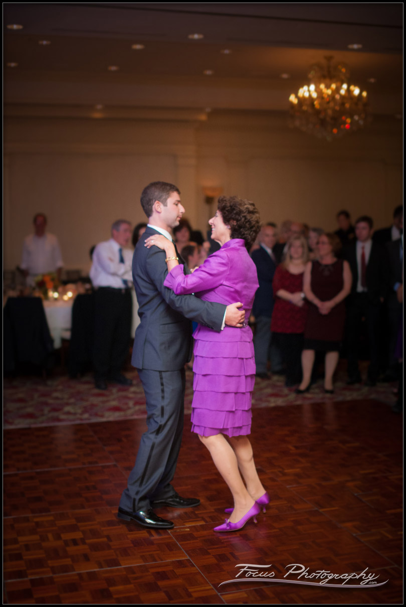 mother son dance at wentworth wedding