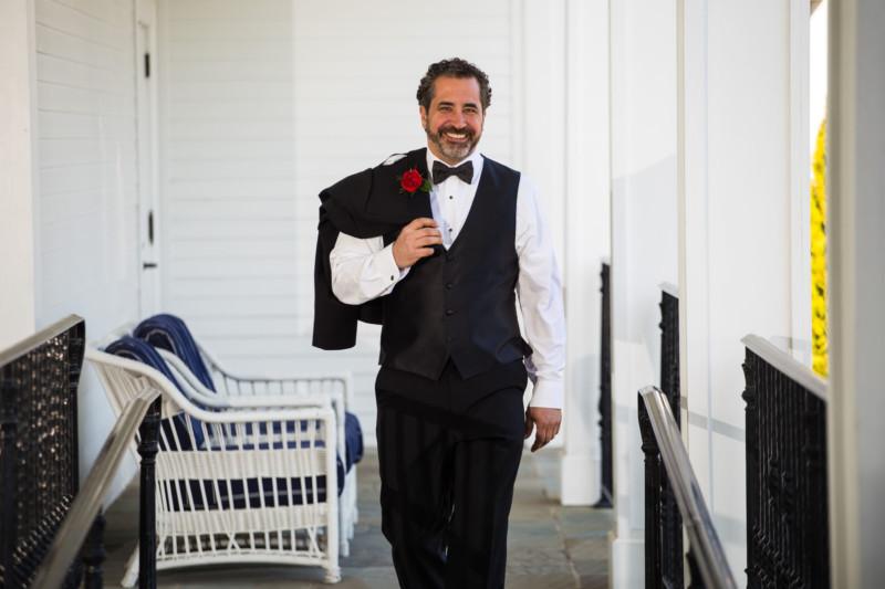 176-wedding-pictures-groom