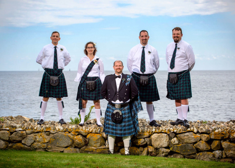 199-wedding-photos-groomsmen