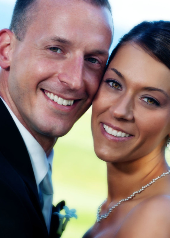 Close Up weddings portrait of bride and groom