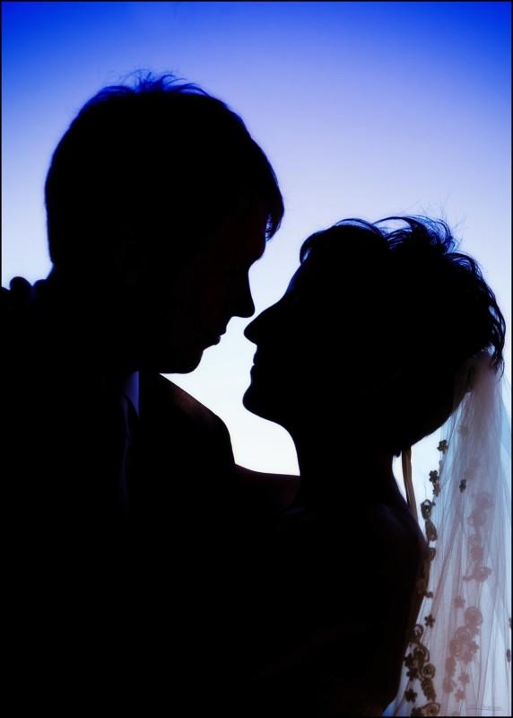 silhouette of couple at samoset wedding