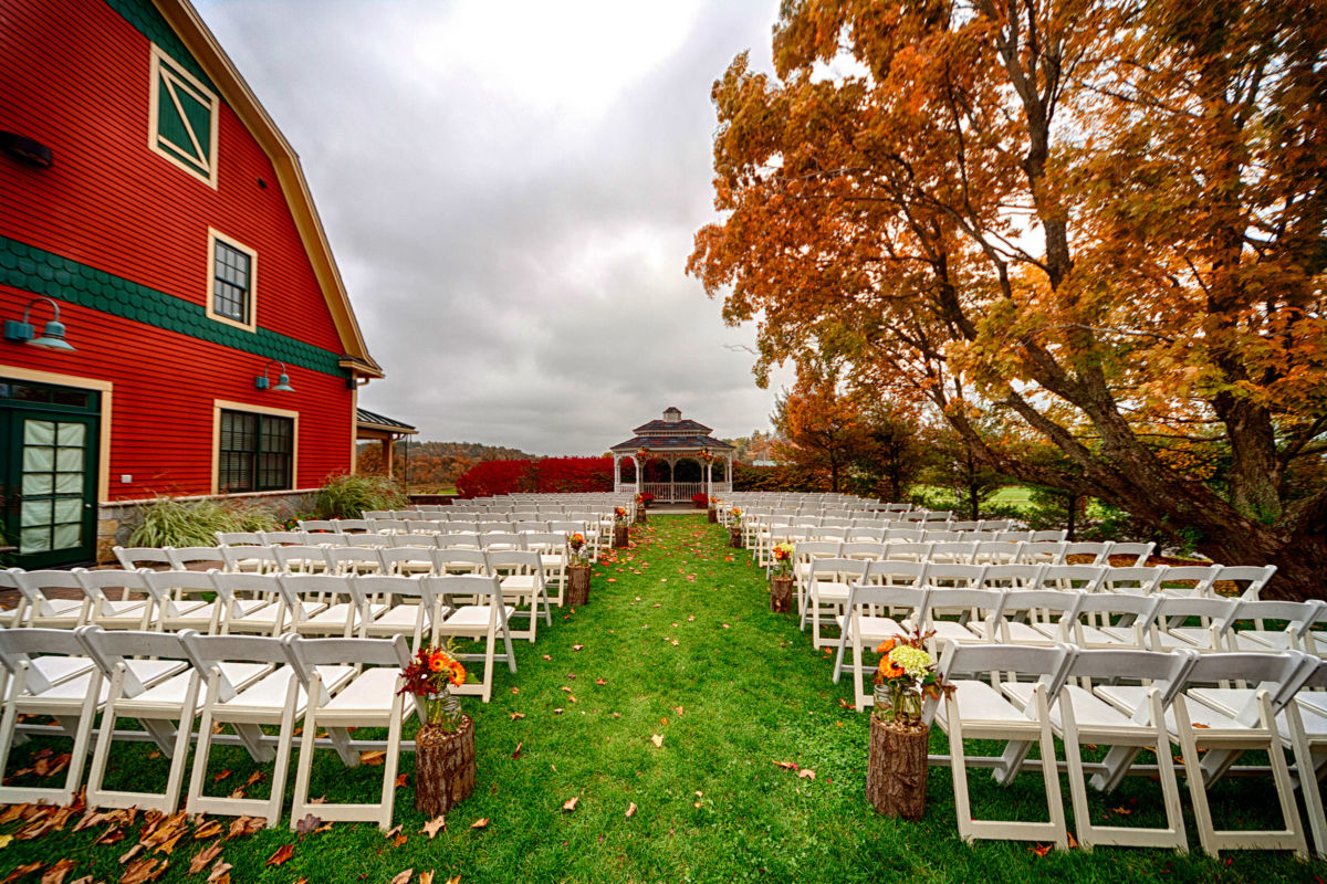 Red Barn Outlook Farm Wedding LJ 211
