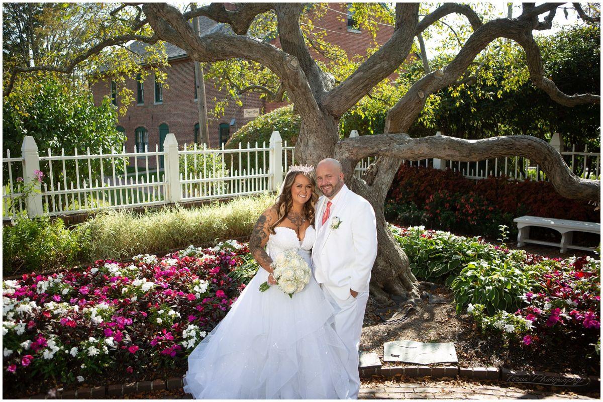 wedding couple at prescott park