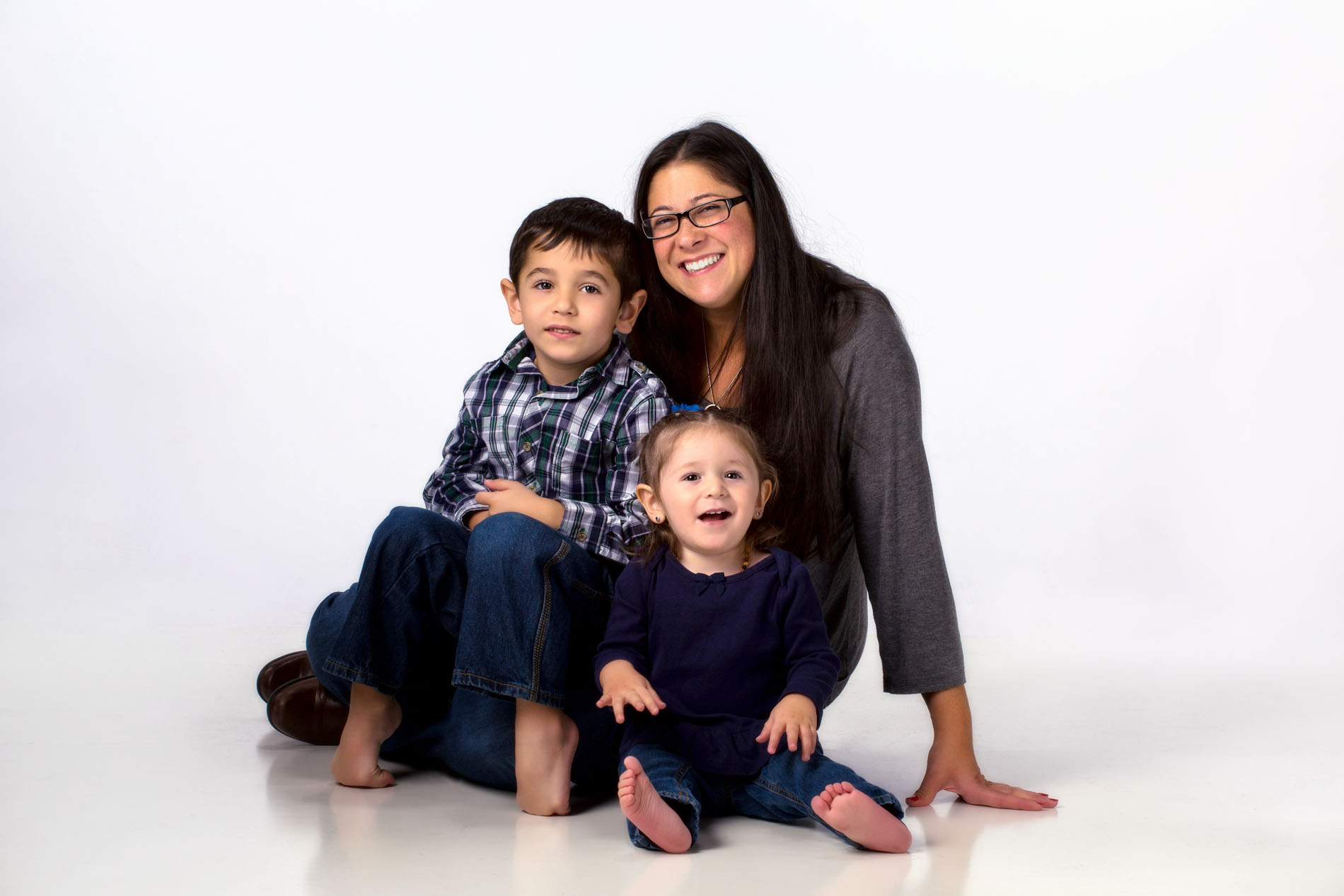 mom and her two kids in modern family portrait